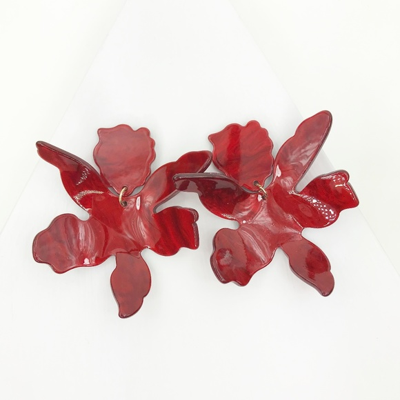 CLOSET REHAB Jewelry - Paper Lily Earrings in Red